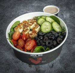 Halloumi salad image