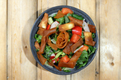 Salata Libaneza Fattoush -vegetarian image