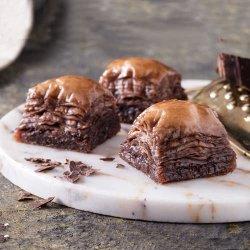 Baklava cu nucă și ciocolată image