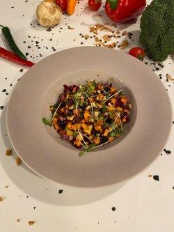 Salată raw vegan image