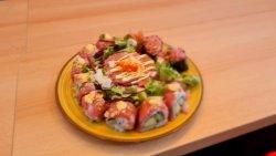 spicty tuna tartar set image