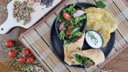 50% reducere: Sandwich Frigărui de vită și berbec mic image