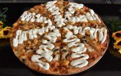 Pizza piept de pui și sos alb image