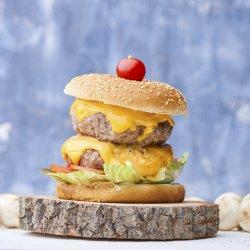 Meniu Dublu Burger Delicios