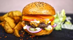 Clasic Burger cu cartofi prăjiți image