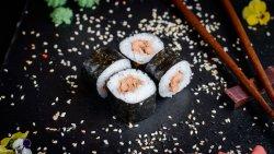 Salmon fried maki image