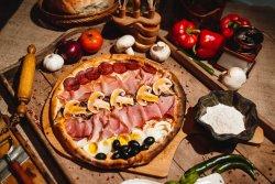 Pizza Colosseum image