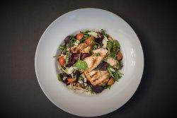Salata calda de pui image