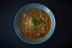 Supa de vita cu legume marinate si taietei de orez image