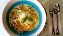 Spaghetti cu speck și dovlecel image