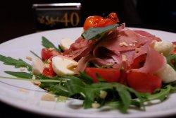 Salată Prosciutto Crudo image
