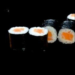Role sushi cu somon image