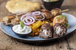 30% reducere: Chiftele umplute cu brânză feta  la cuptor(bifteki) image