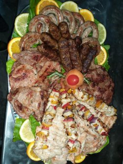 Platou party mix porc & pui grill