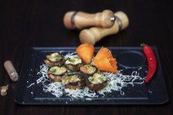 Ciupercuțe proaspete umplute cu costiță afumată și cașcaval gratinate la cuptor