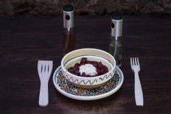Salată de sfeclă roșie cu hrean
