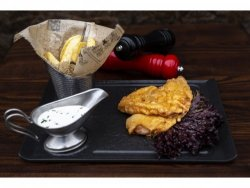 Șnițel de pui vienez cu cartofi prăjiți și sos rangers
