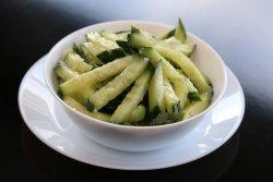 Salată de castraveți cu usturoi