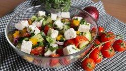Salată bulgărească image