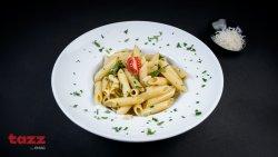 Penne / spaghette aglio e olio  image
