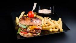 Meniu burger maestro+castrofi prăjiți image