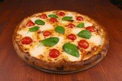 Pizza Caprese mega