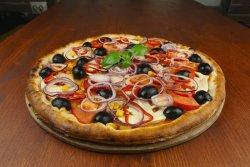 Pizza Vegetariană medie