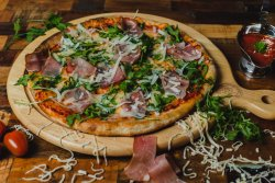 Pizza Prosciutto e Gorgonzola image