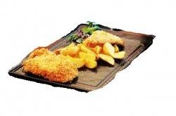Șnițel de pui în fulgi de porumb Chicken schnitzel rolled in cornflakes image