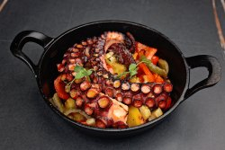 Tigaie de caracatiță la Josper image