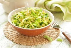 Salată de varză albă cu mărar image