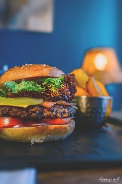 Burger cu carne Black Angus