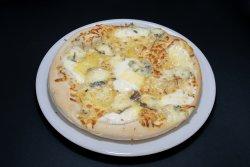 Pizza Quattro Formaggi Grande + Pizza Dolce la doar 5 lei image