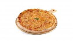 Pizza quattro formaggi image