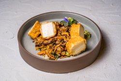 Orez prajit cu shiitake si crispy tofu image