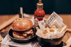 Burger cu crispy de pui image