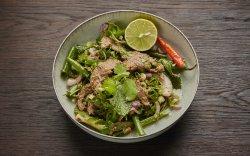 Salată fragedă iute de mușchi de vită image