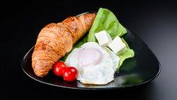 Meniu croissant cu unt 1 image