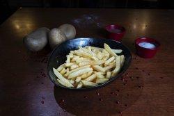 Cartofi prăjiți și sos mayo image