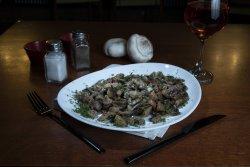Ciuperci la tigaie cu usturoi și mărar image