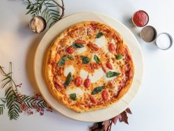 Pizza basilico e bocconcini image