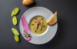 Supă cremă vichyssoise (praz, cartof) image