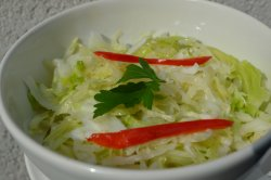 Salată de varză/coleslaw image