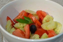 Salata asortata (rosii,castraveti verzi)/Mixt salad(200 g) image