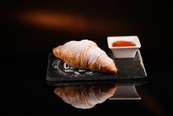 Croissant gem