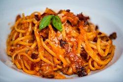 Spaghete cu sos de roșii image