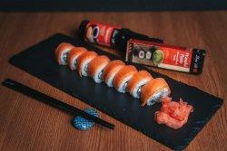 Sushi Uramaki Philadelphia Roll image