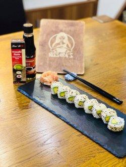 Sushi Uramaki Tamago Roll image