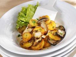 Cartofi in unt cu ciuperci
