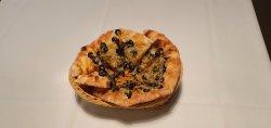 Focaccia cașcaval/parmezan cu măsline  image